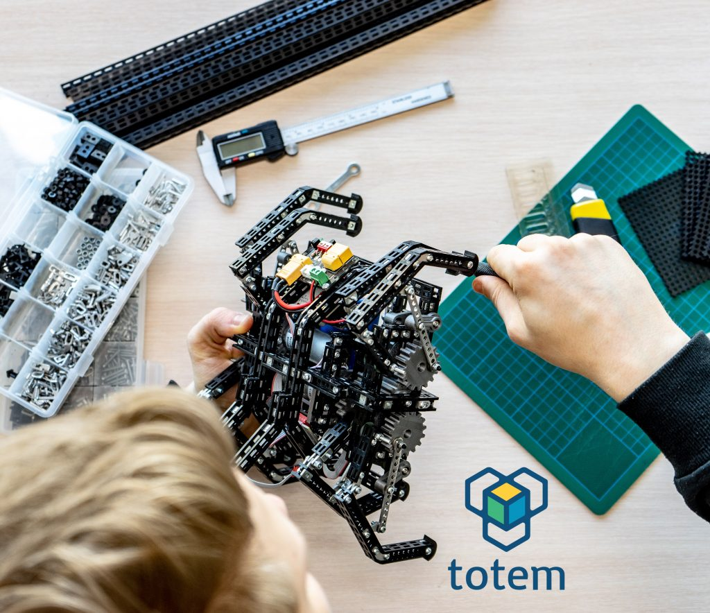 Totem-maker-3